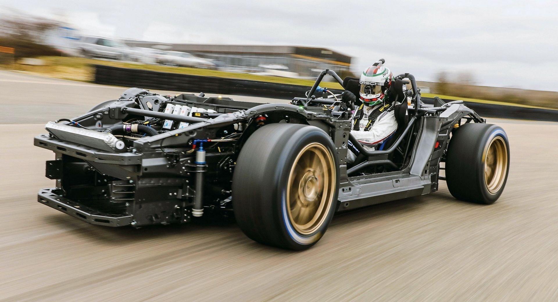 Porsche-Mission-R-concept-development-1