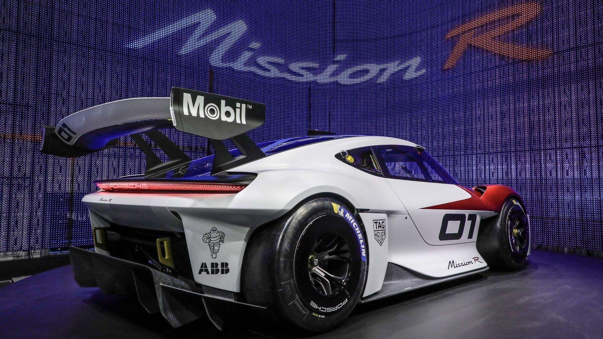 Porsche-Mission-R-concept-development-45