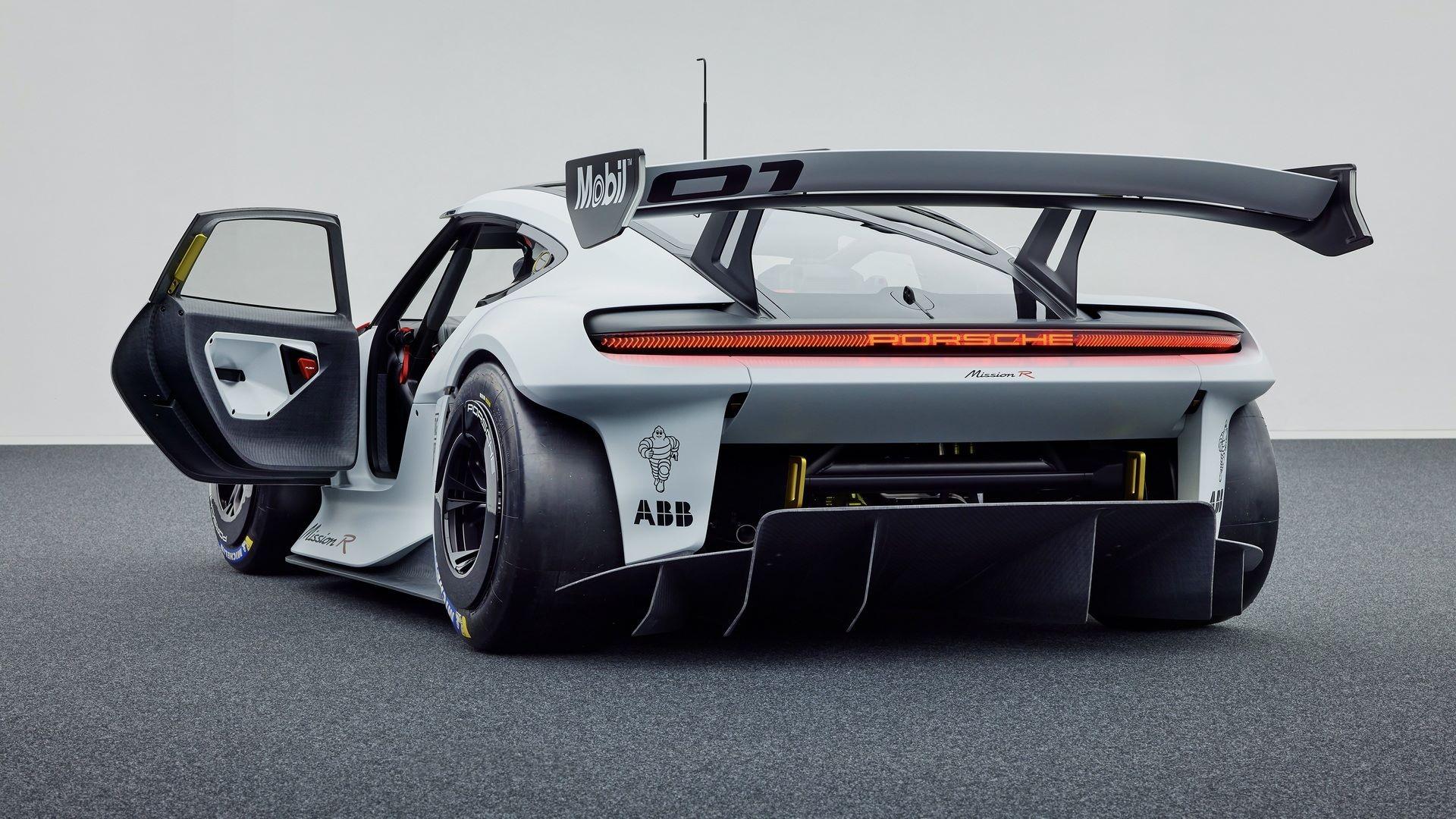 Porsche-Mission-R-concept-development-7