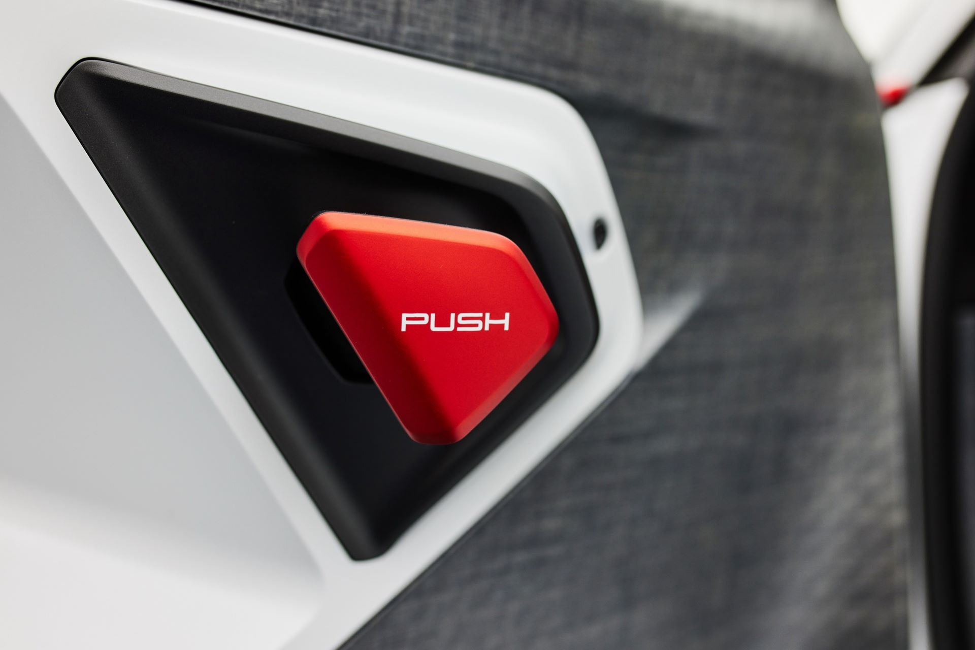 Porsche-Mission-R-concept-21