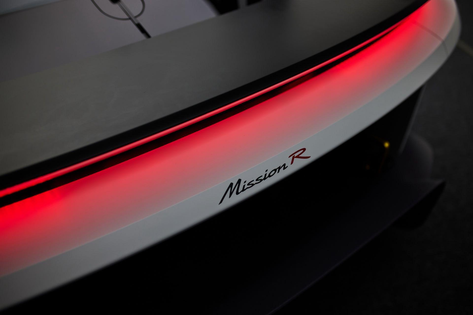 Porsche-Mission-R-concept-29