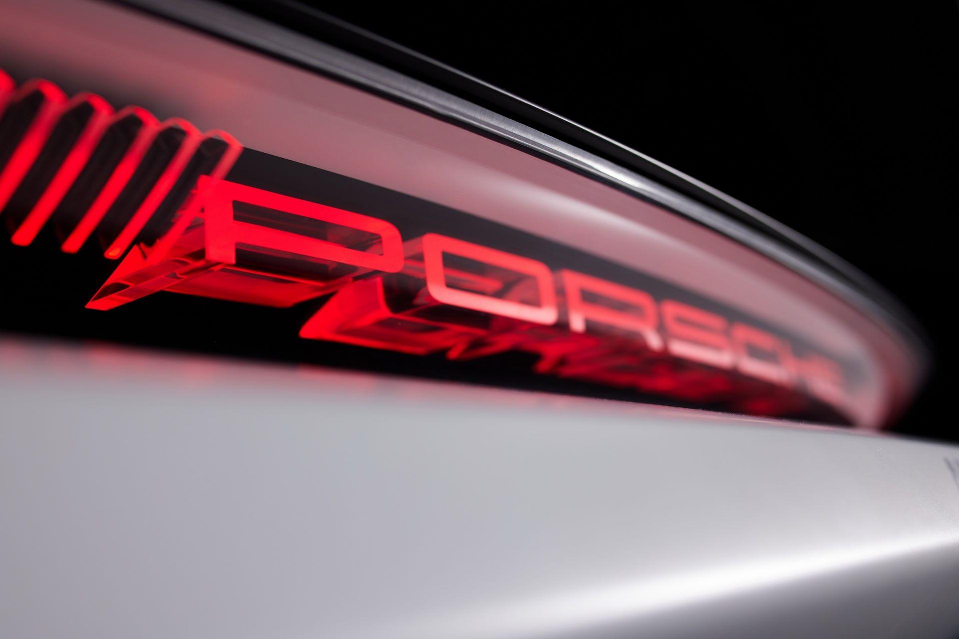 Porsche-Mission-R-concept-44