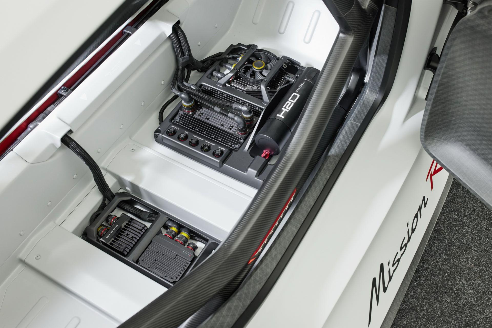 Porsche-Mission-R-concept-46