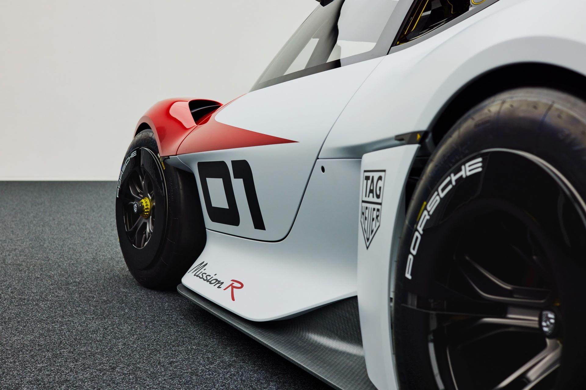 Porsche-Mission-R-concept-55