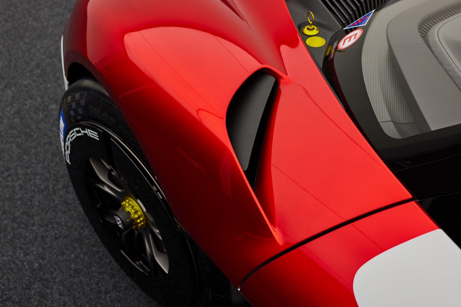 Porsche-Mission-R-concept-56