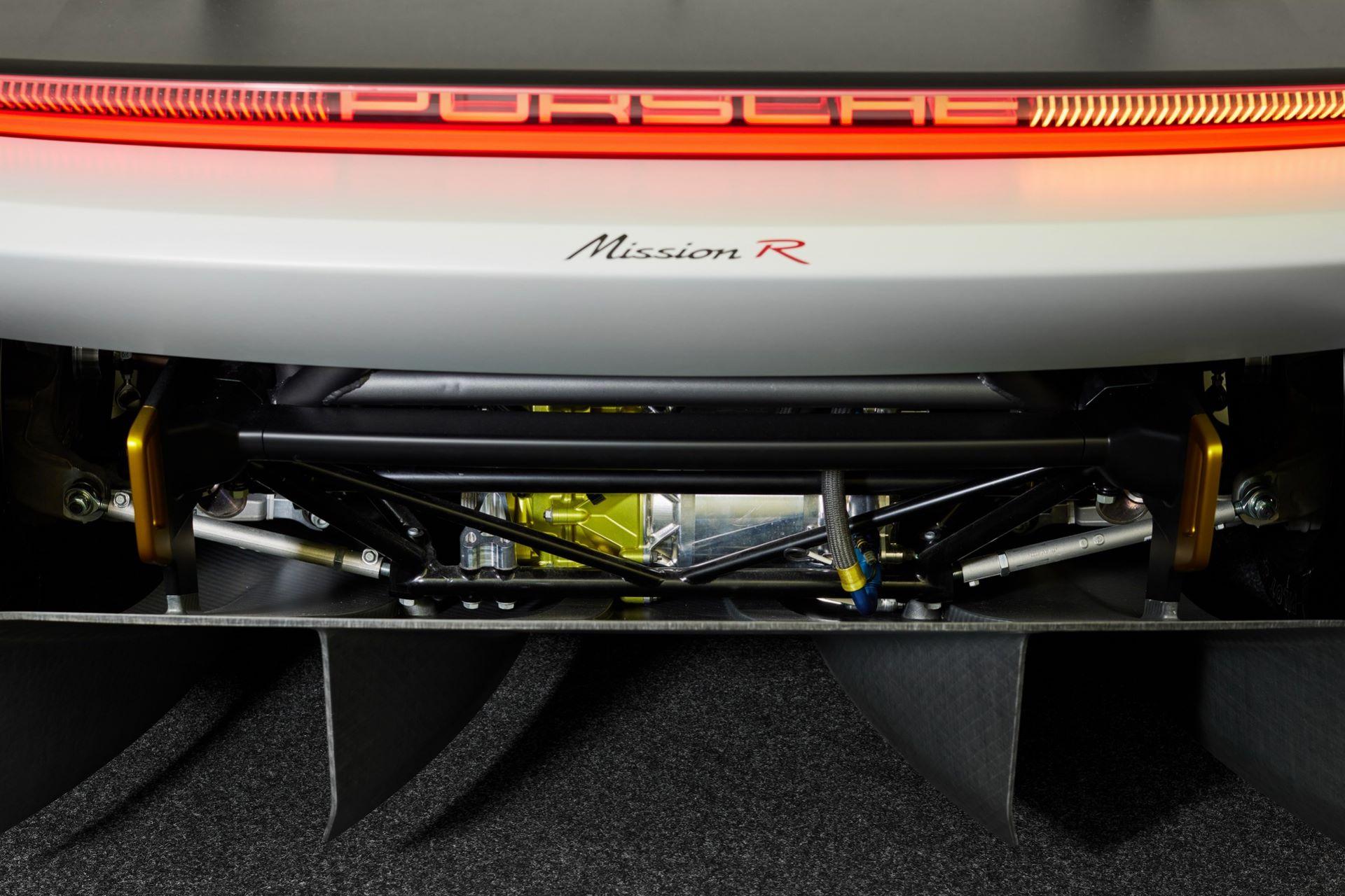 Porsche-Mission-R-concept-57