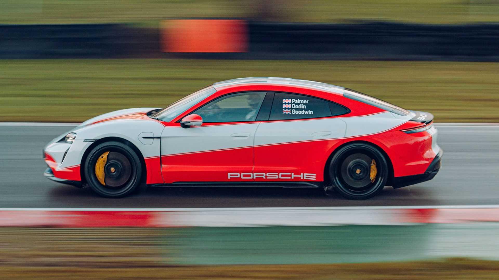 Porsche-Taycan-At-Brands-Hatch-Circuit-15