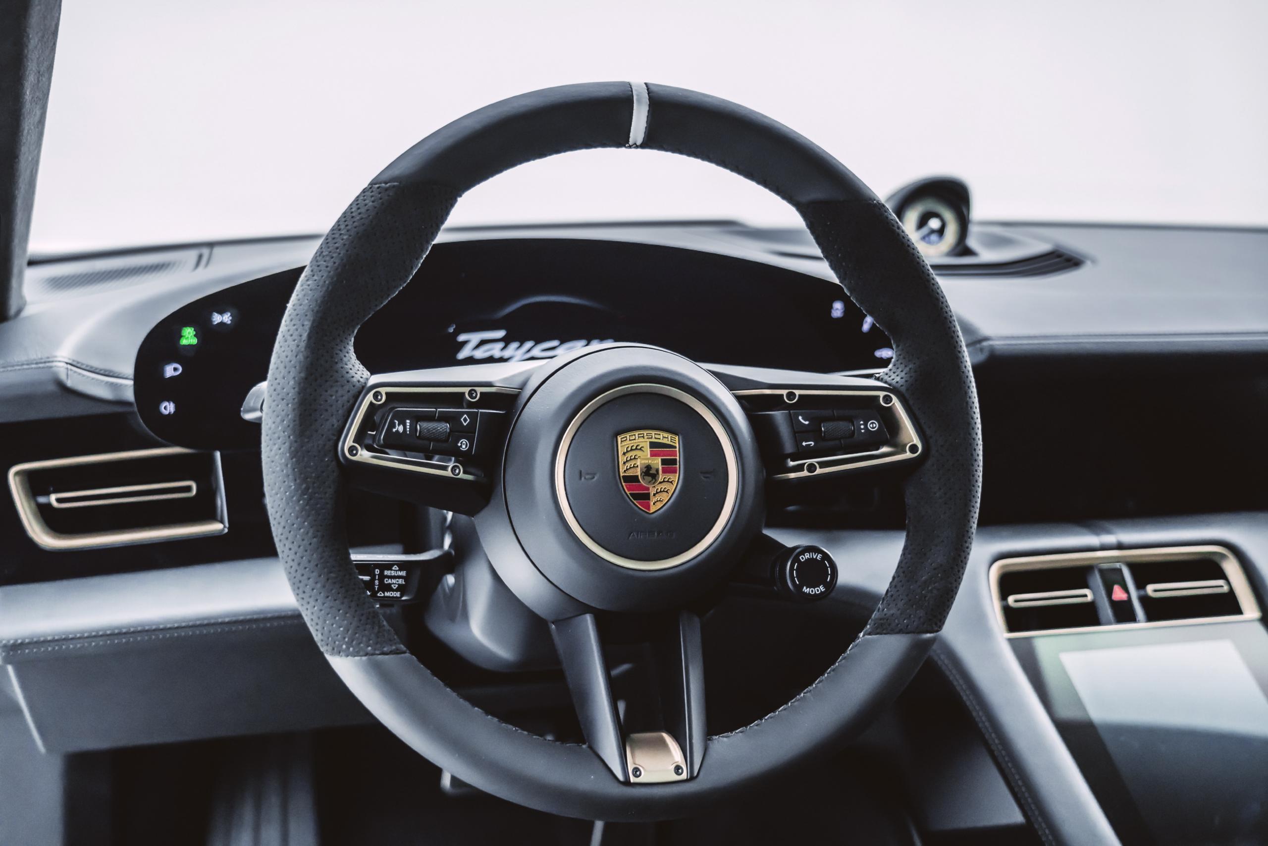 Porsche-Taycan-by-Mansory-13