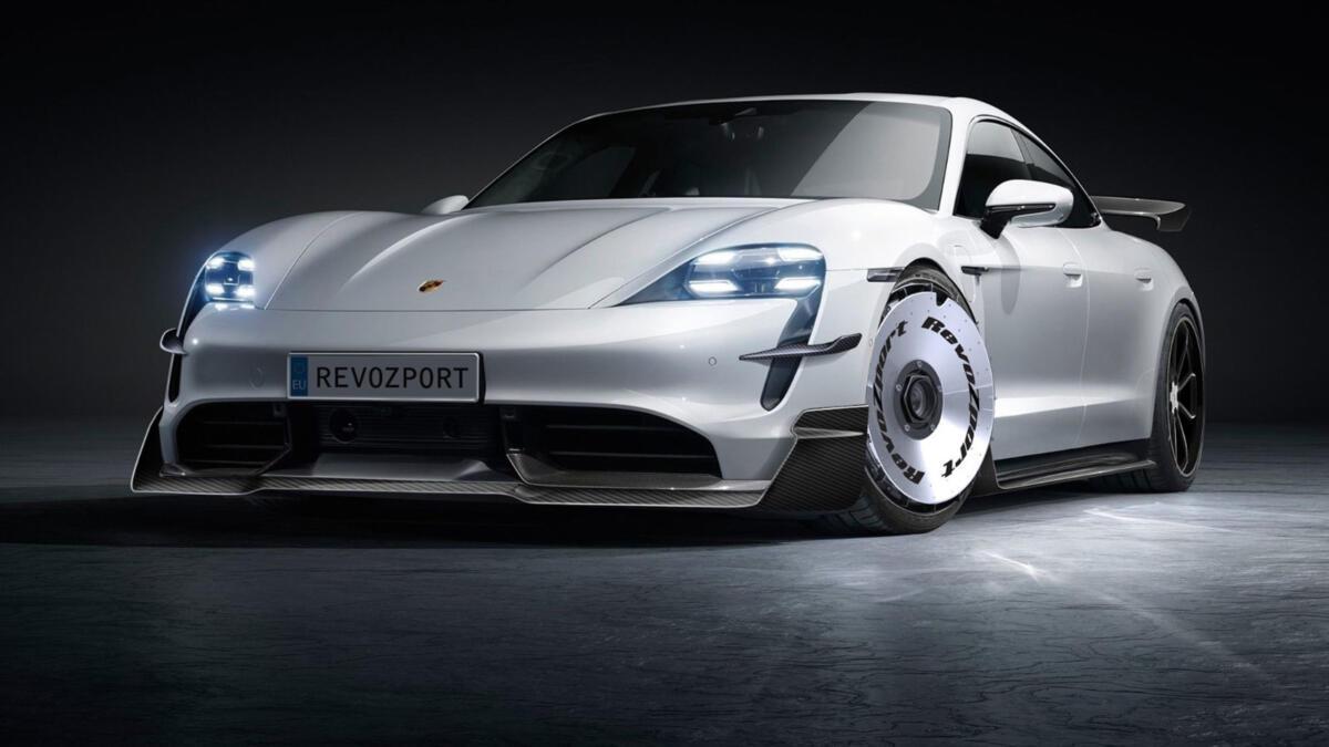 Porsche-Taycan-by-RevoZport-1