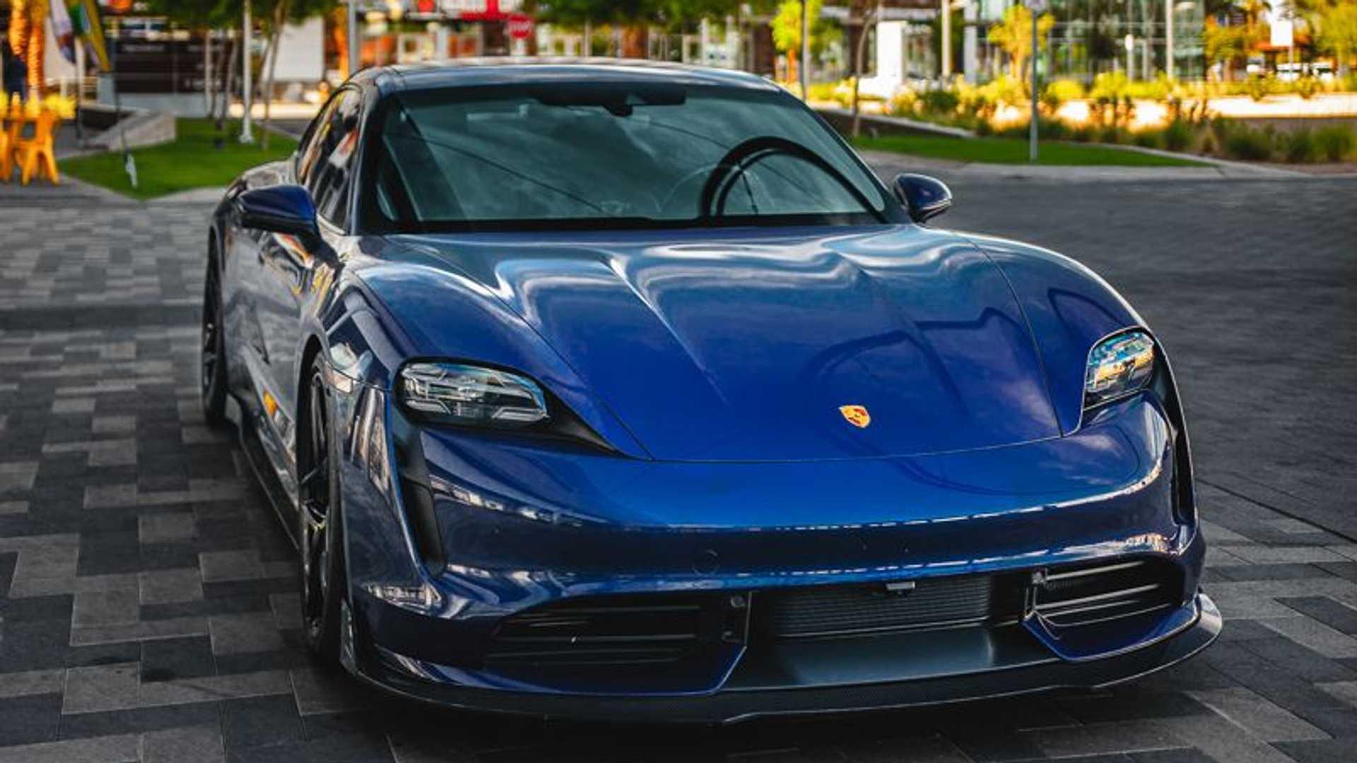 Porsche-Taycan-by-Vivid-Racing-10