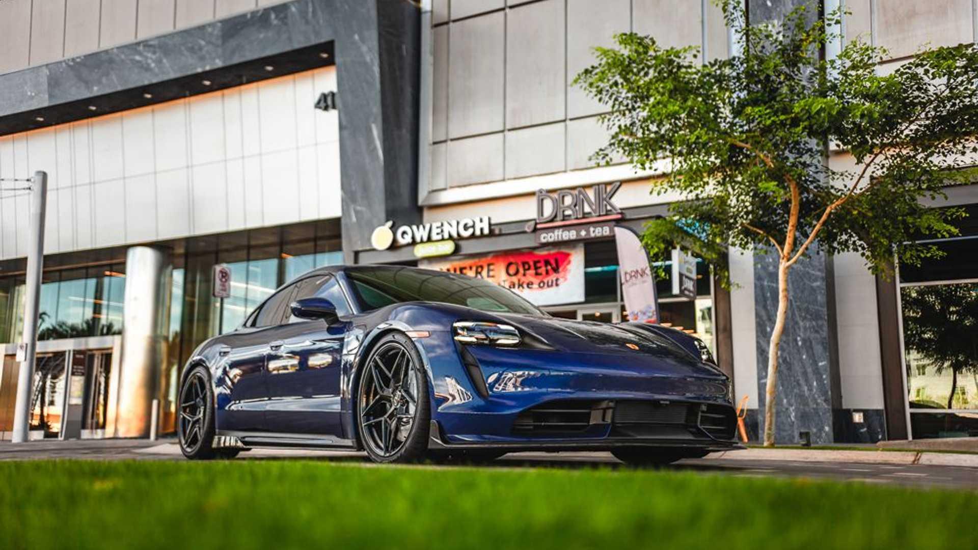 Porsche-Taycan-by-Vivid-Racing-11
