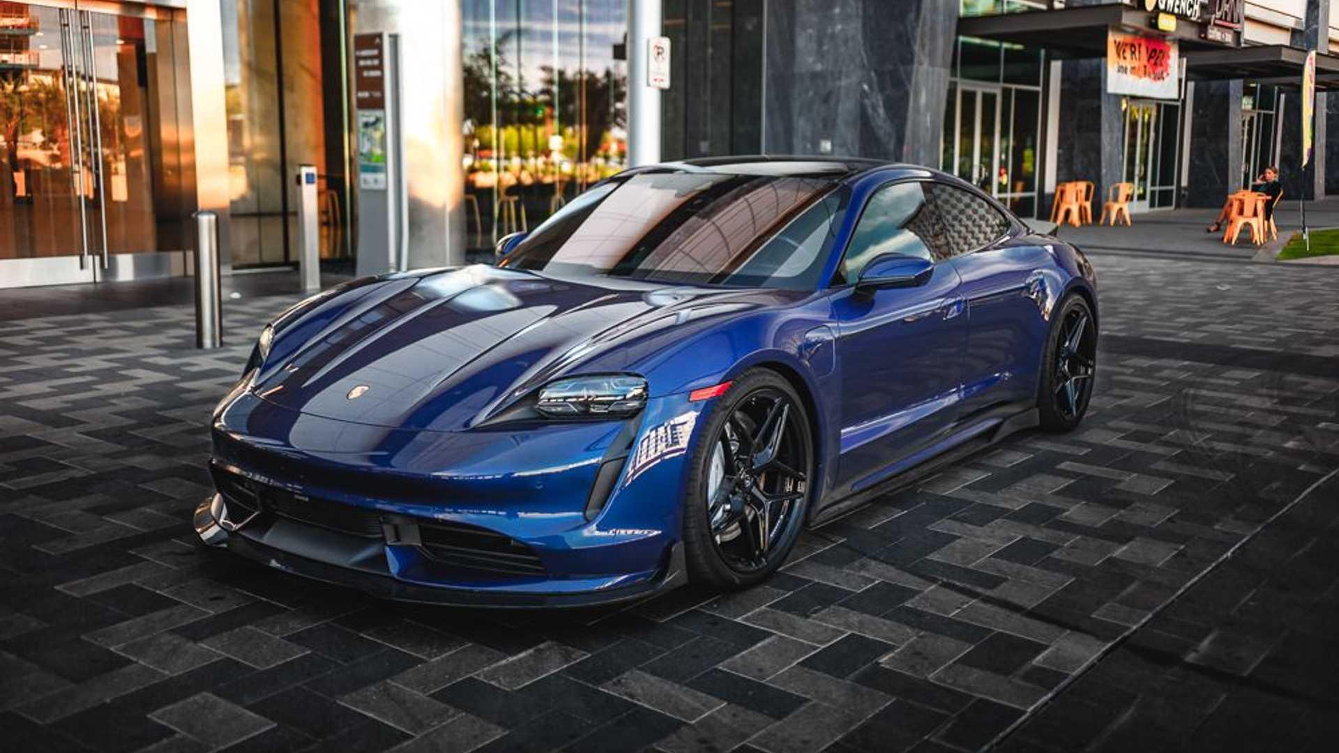 Porsche-Taycan-by-Vivid-Racing-15