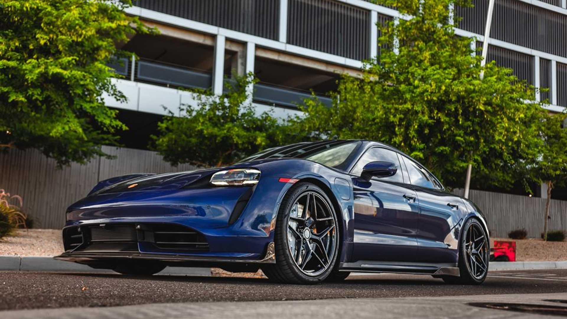Porsche-Taycan-by-Vivid-Racing-16