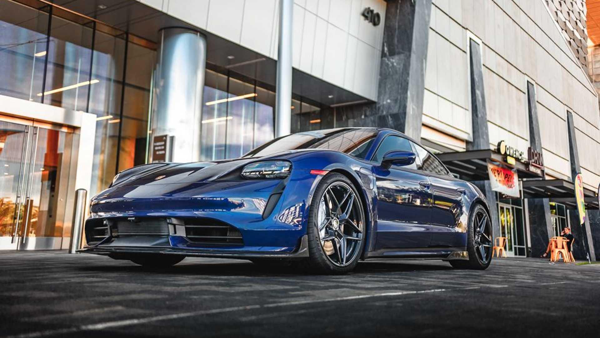 Porsche-Taycan-by-Vivid-Racing-19