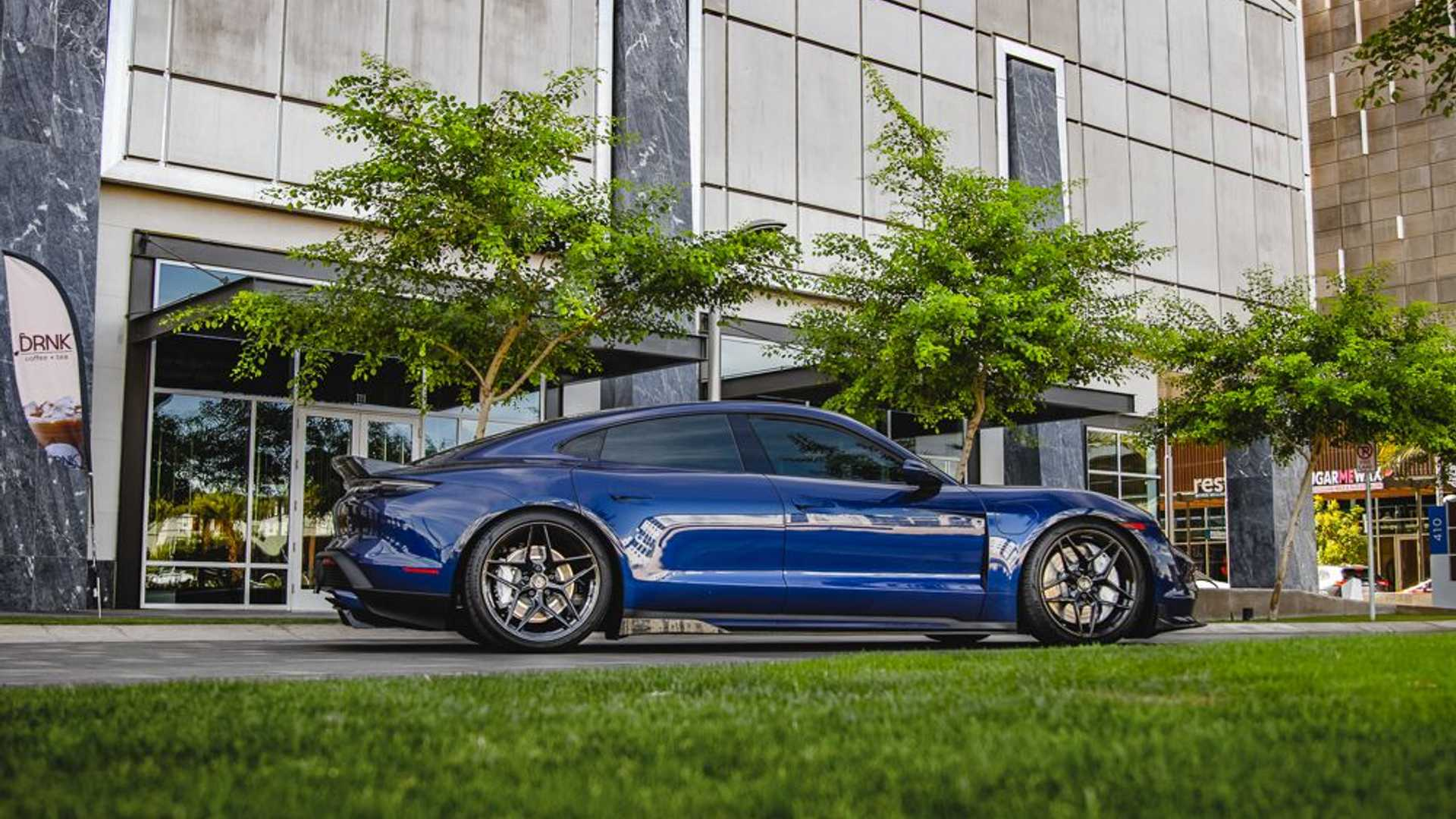 Porsche-Taycan-by-Vivid-Racing-21