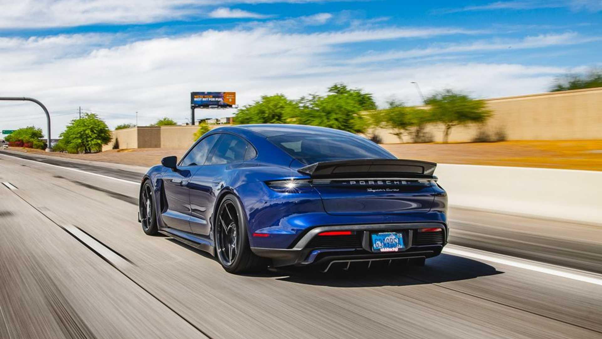 Porsche-Taycan-by-Vivid-Racing-28