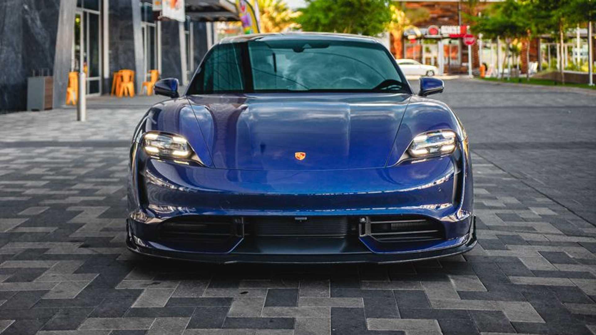 Porsche-Taycan-by-Vivid-Racing-3