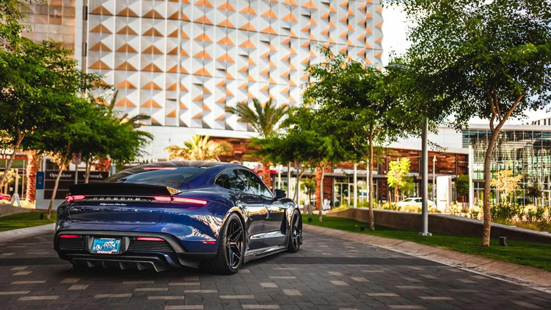 Porsche-Taycan-by-Vivid-Racing-32