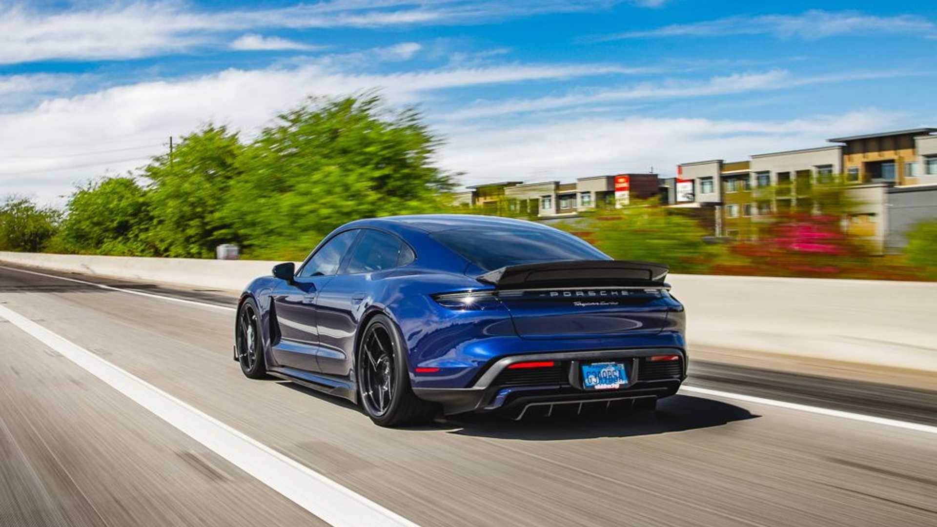 Porsche-Taycan-by-Vivid-Racing-34