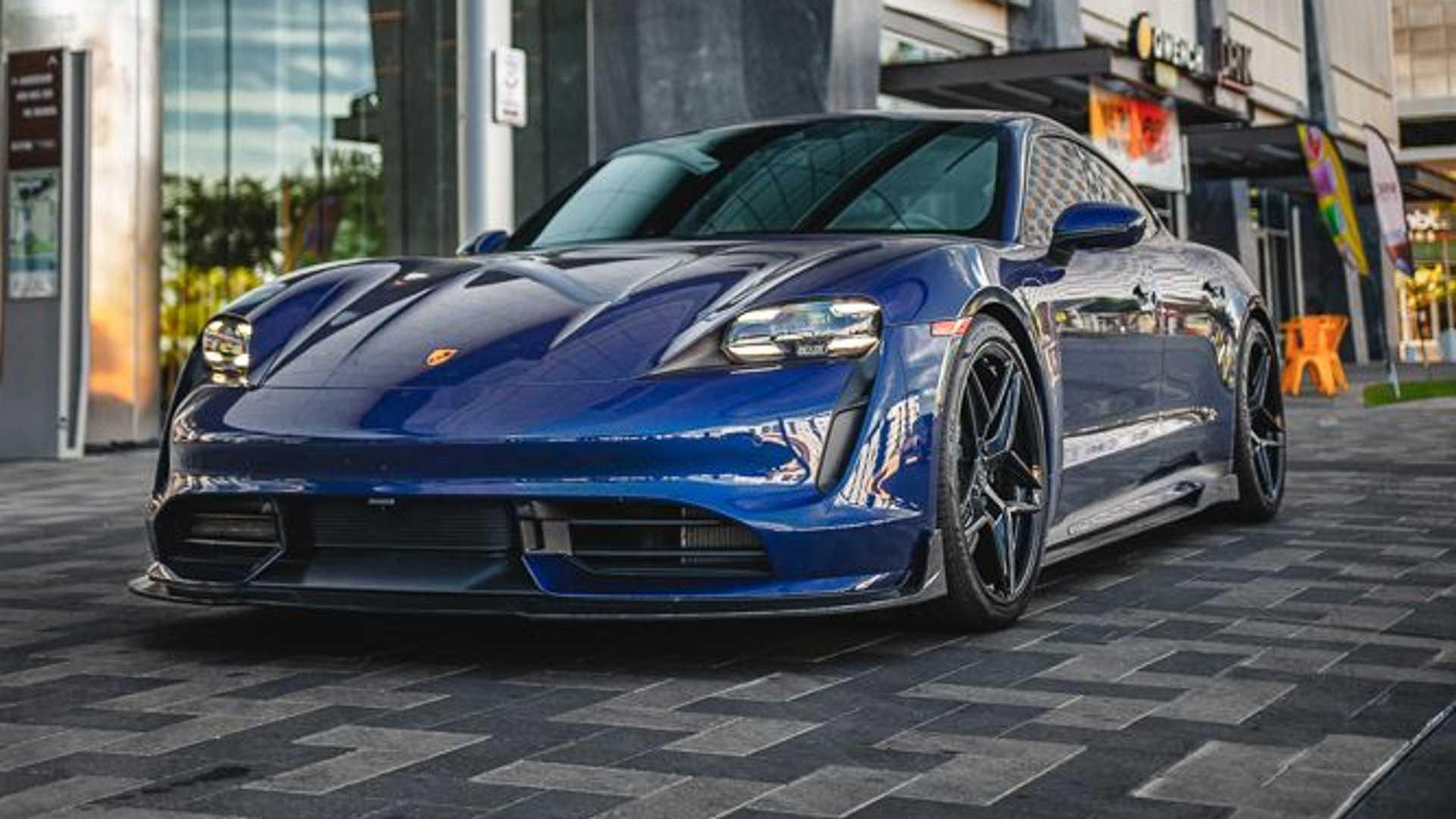 Porsche-Taycan-by-Vivid-Racing-4