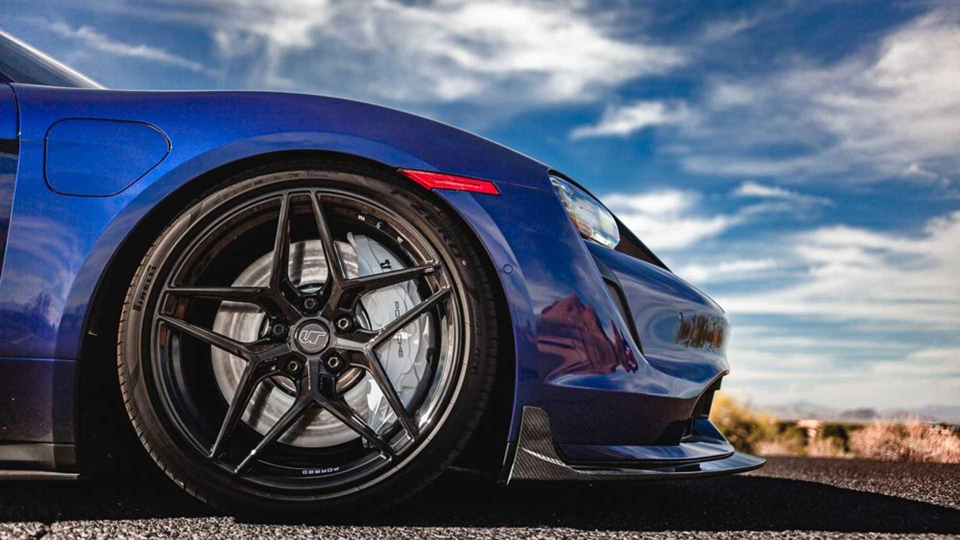 Porsche-Taycan-by-Vivid-Racing-42