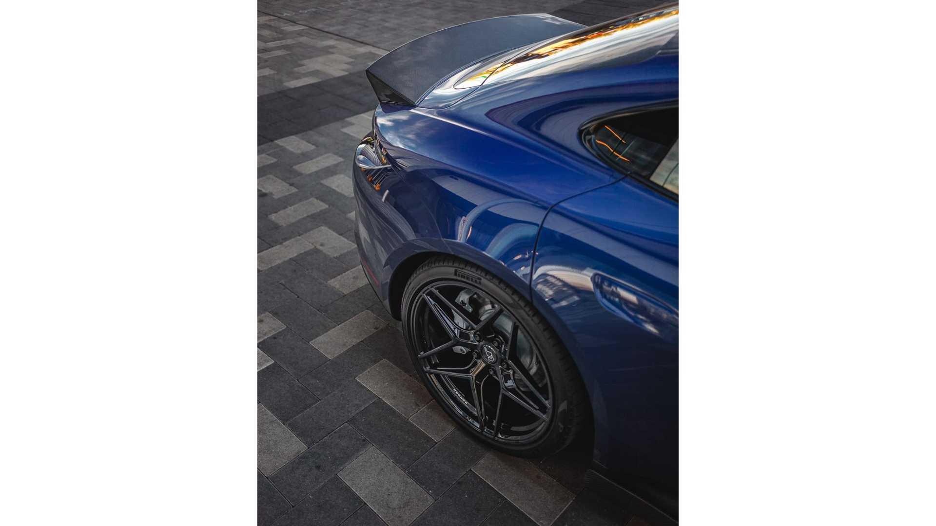 Porsche-Taycan-by-Vivid-Racing-43