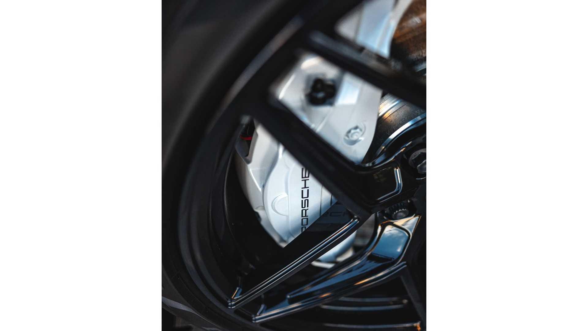 Porsche-Taycan-by-Vivid-Racing-47