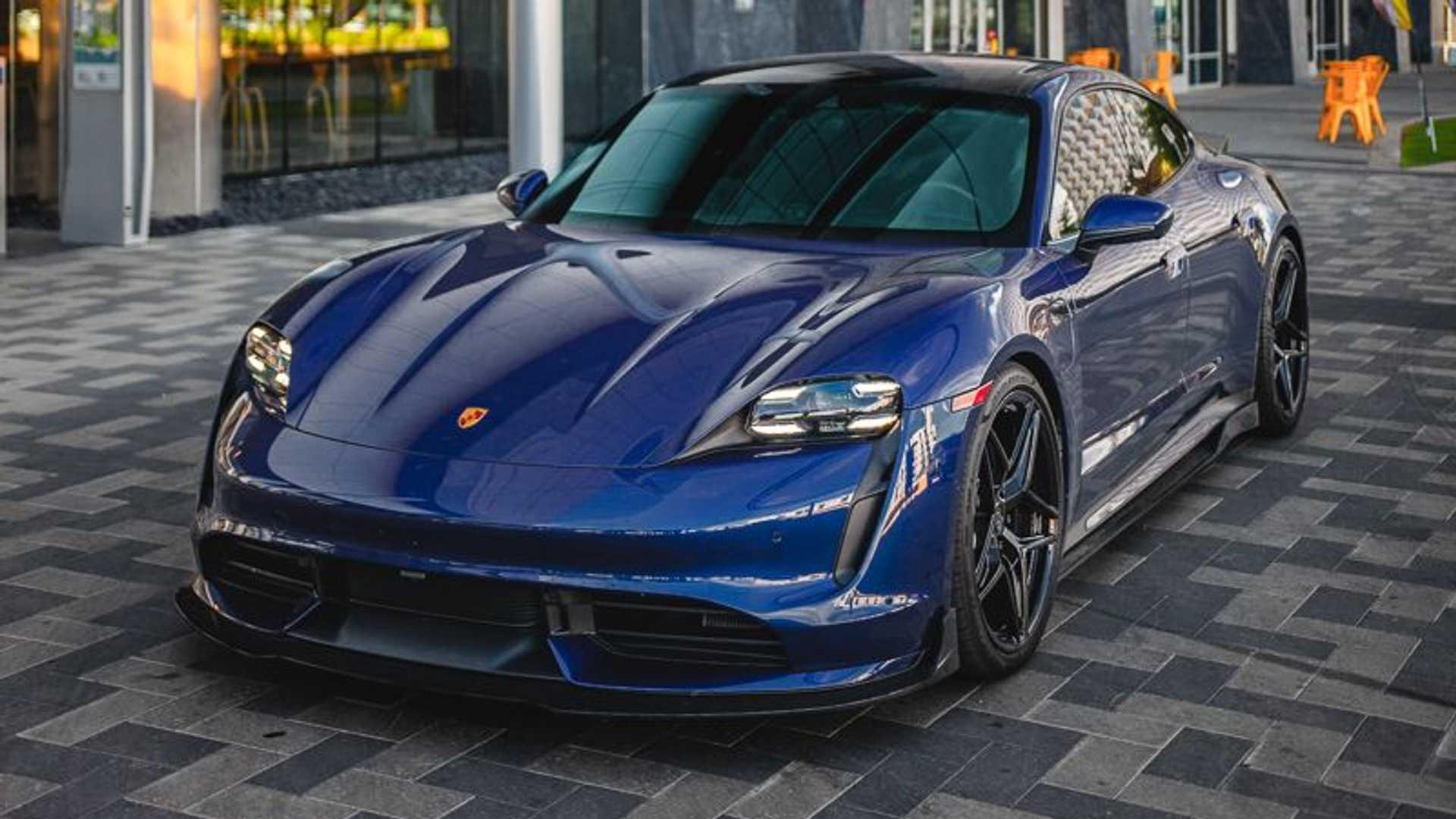 Porsche-Taycan-by-Vivid-Racing-6