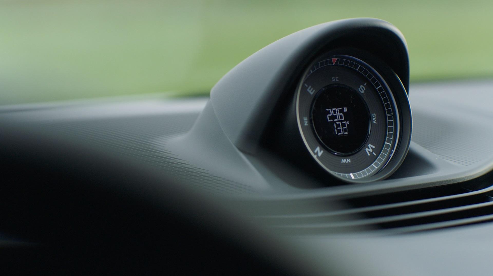 1_Porsche-Taycan-Cross-Turismo-3