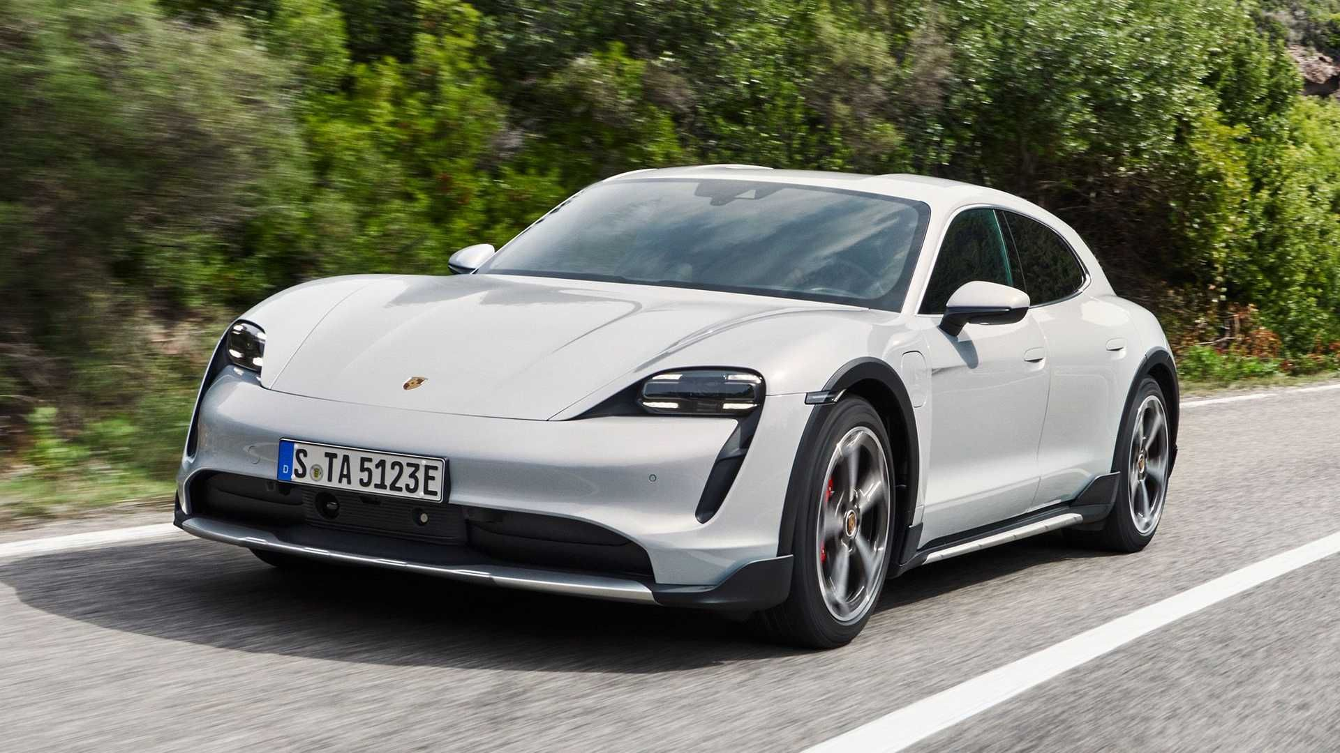 Porsche-Taycan-Cross-Turismo-14