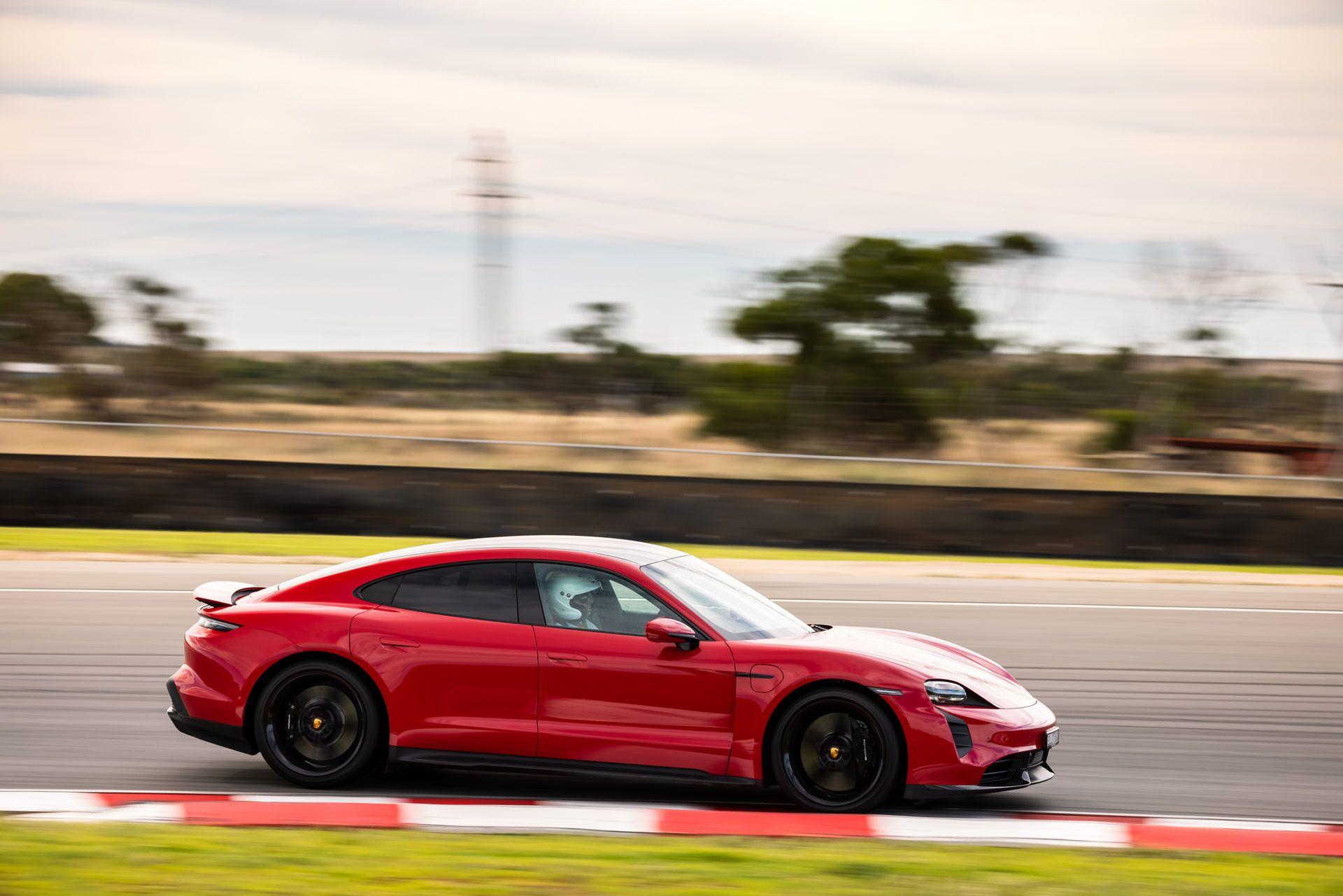 Porsche-Taycan-Turbo-S-The-Bend-Motorsport-Park-10