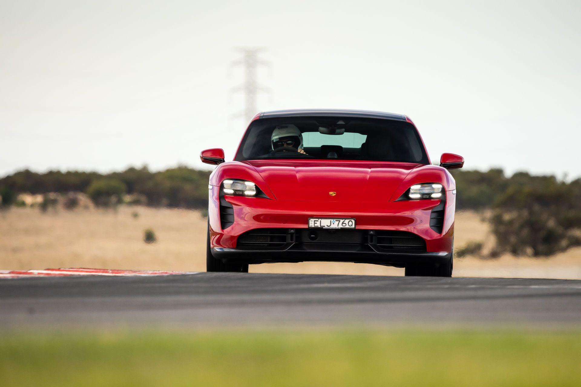 Porsche-Taycan-Turbo-S-The-Bend-Motorsport-Park-12