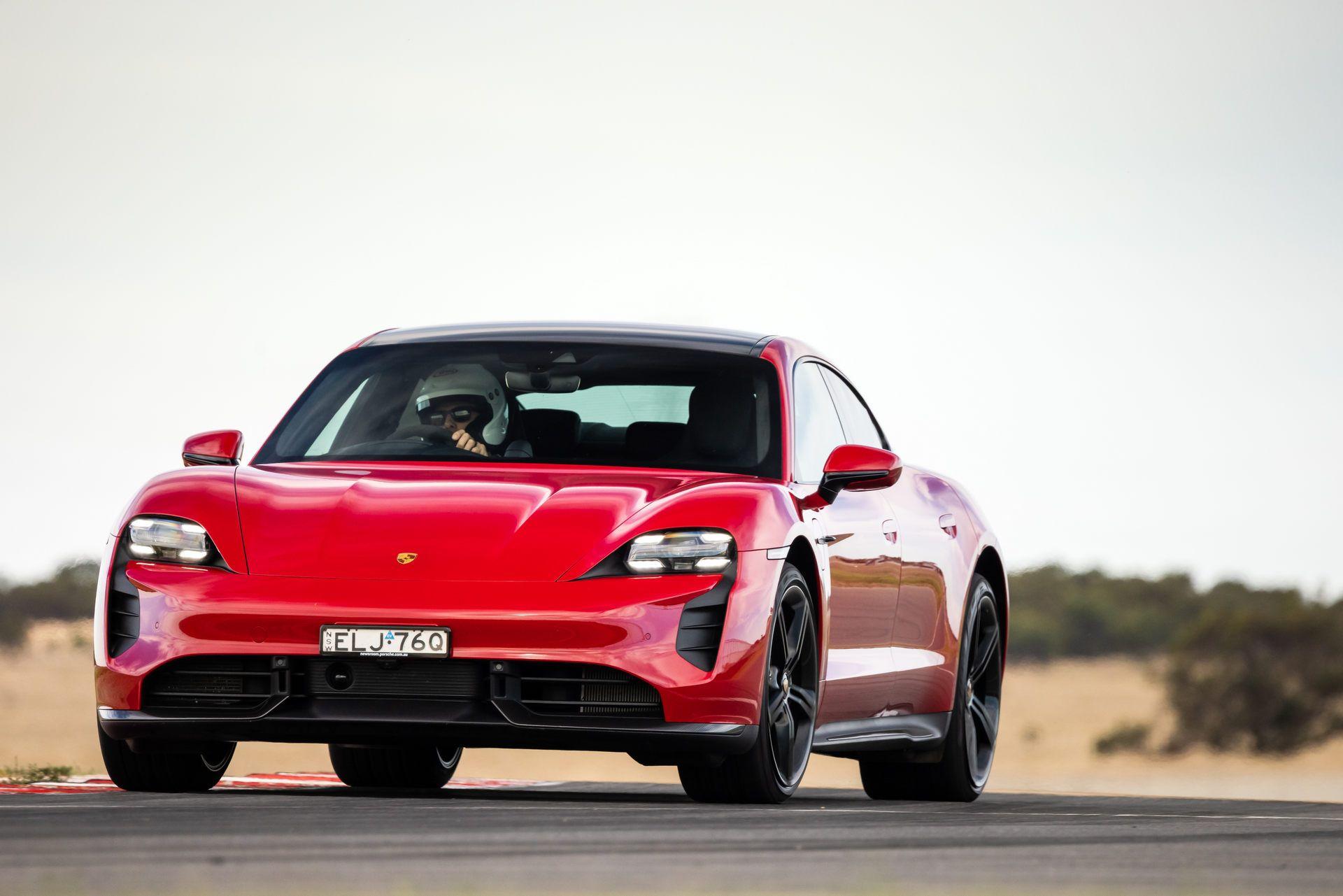 Porsche-Taycan-Turbo-S-The-Bend-Motorsport-Park-13