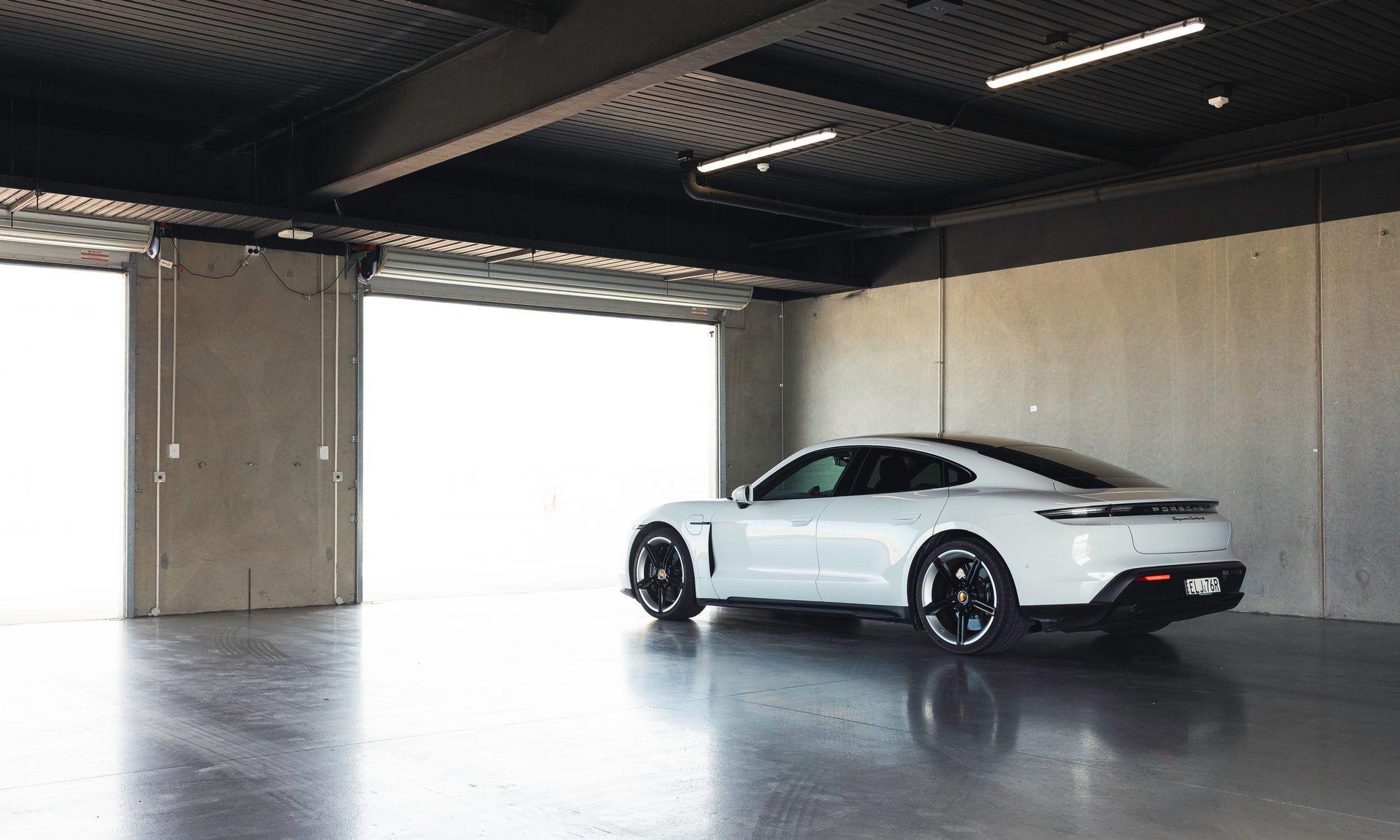 Porsche-Taycan-Turbo-S-The-Bend-Motorsport-Park-21