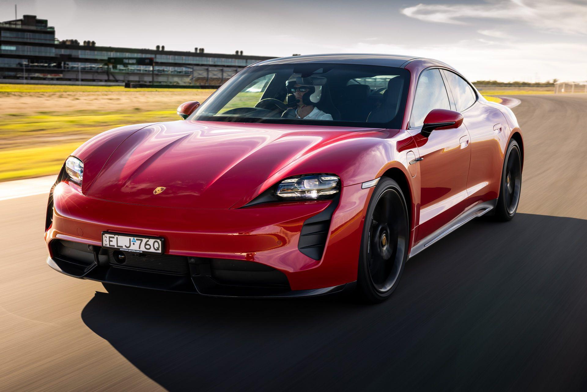 Porsche-Taycan-Turbo-S-The-Bend-Motorsport-Park-23
