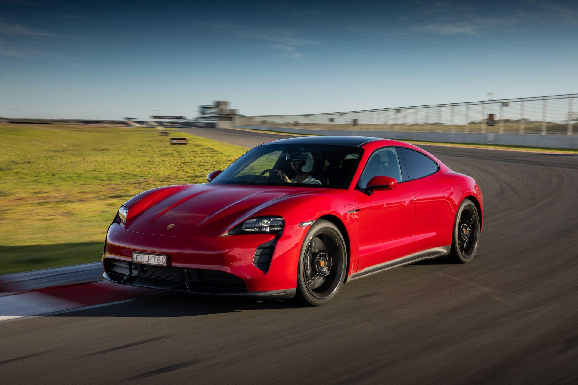 Porsche-Taycan-Turbo-S-The-Bend-Motorsport-Park-25