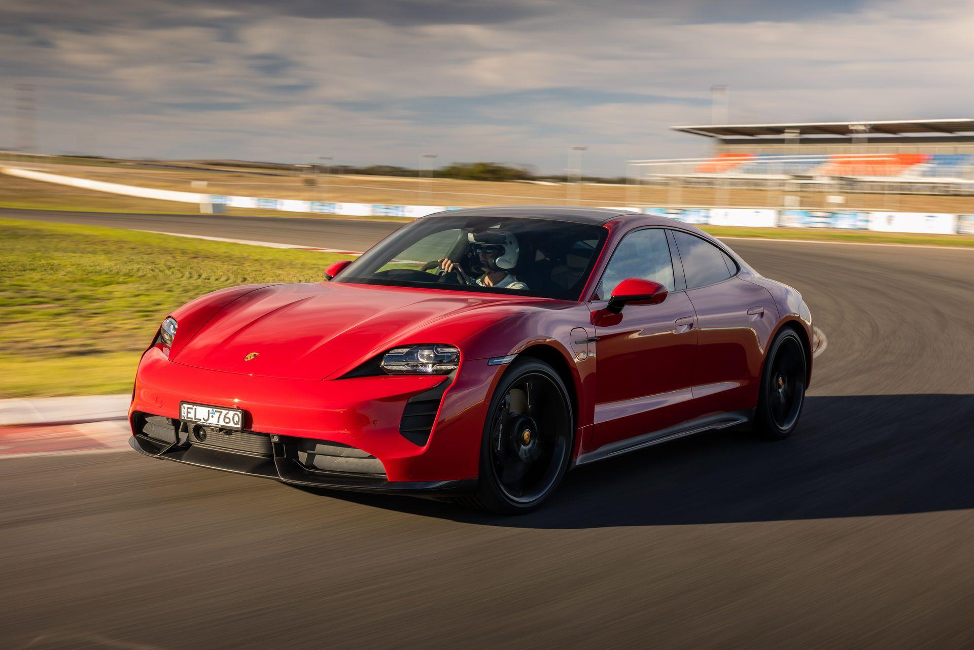 Porsche-Taycan-Turbo-S-The-Bend-Motorsport-Park-27