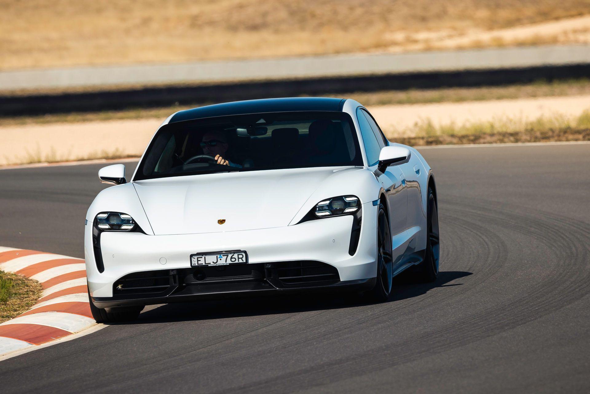 Porsche-Taycan-Turbo-S-The-Bend-Motorsport-Park-28