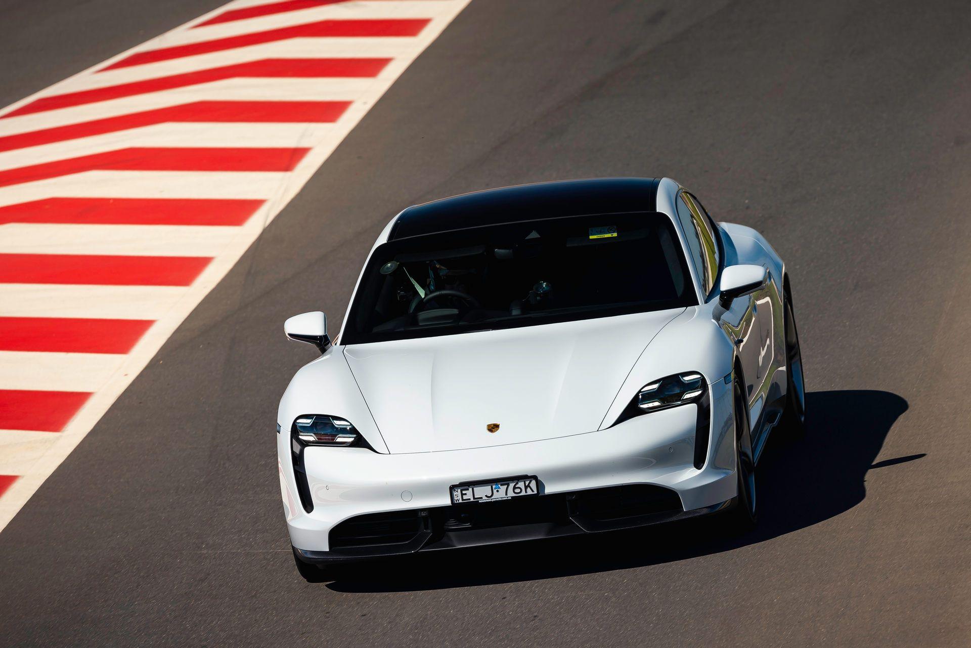 Porsche-Taycan-Turbo-S-The-Bend-Motorsport-Park-3