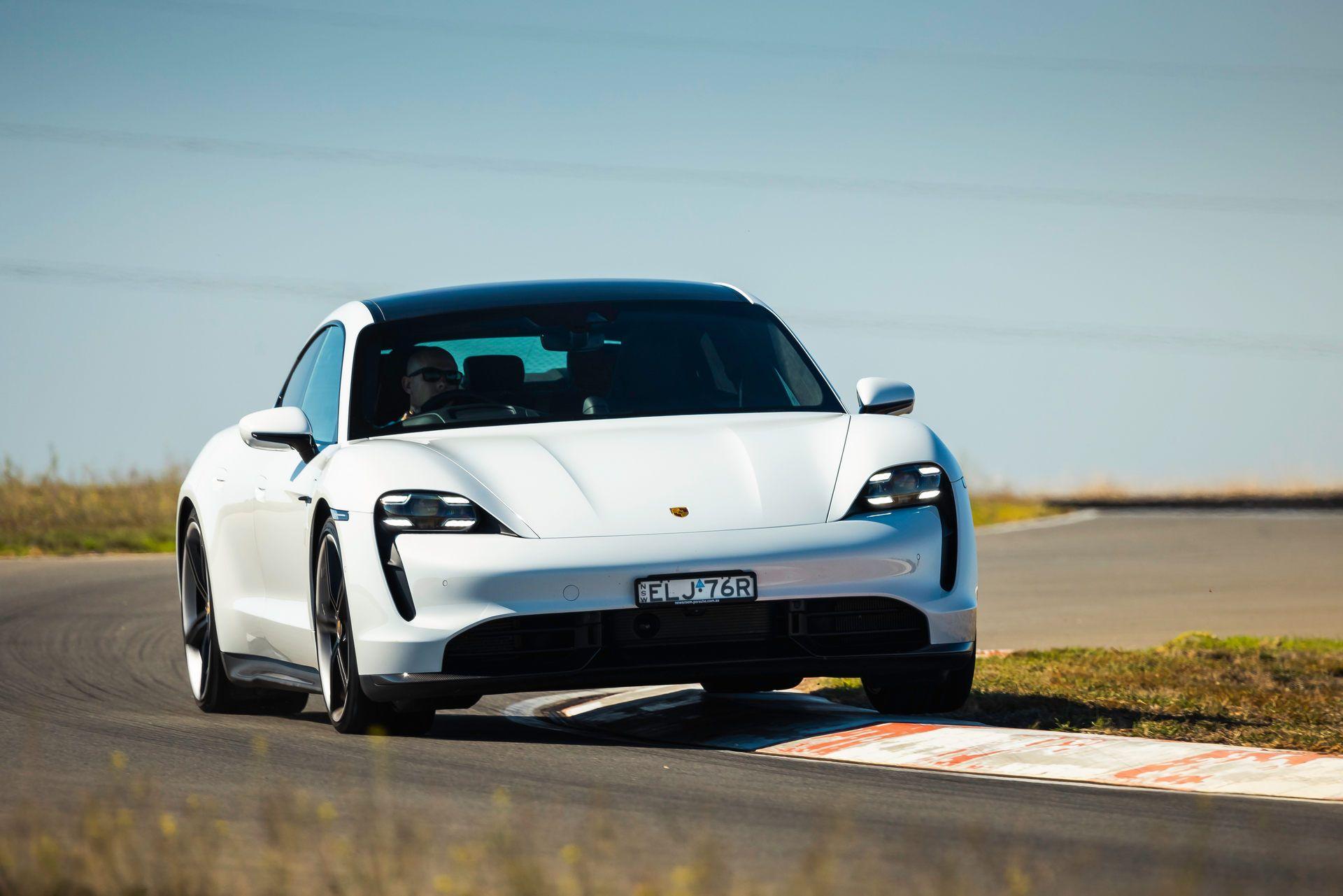 Porsche-Taycan-Turbo-S-The-Bend-Motorsport-Park-30