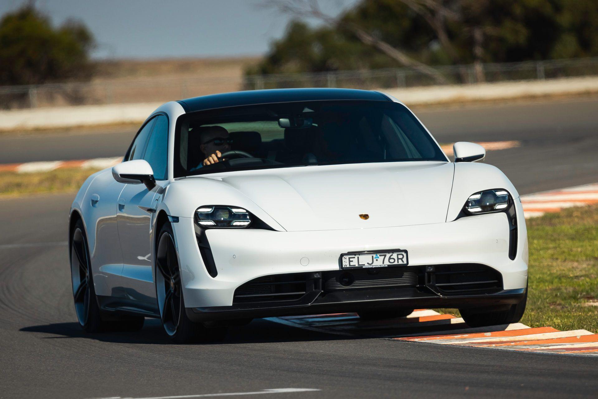 Porsche-Taycan-Turbo-S-The-Bend-Motorsport-Park-32