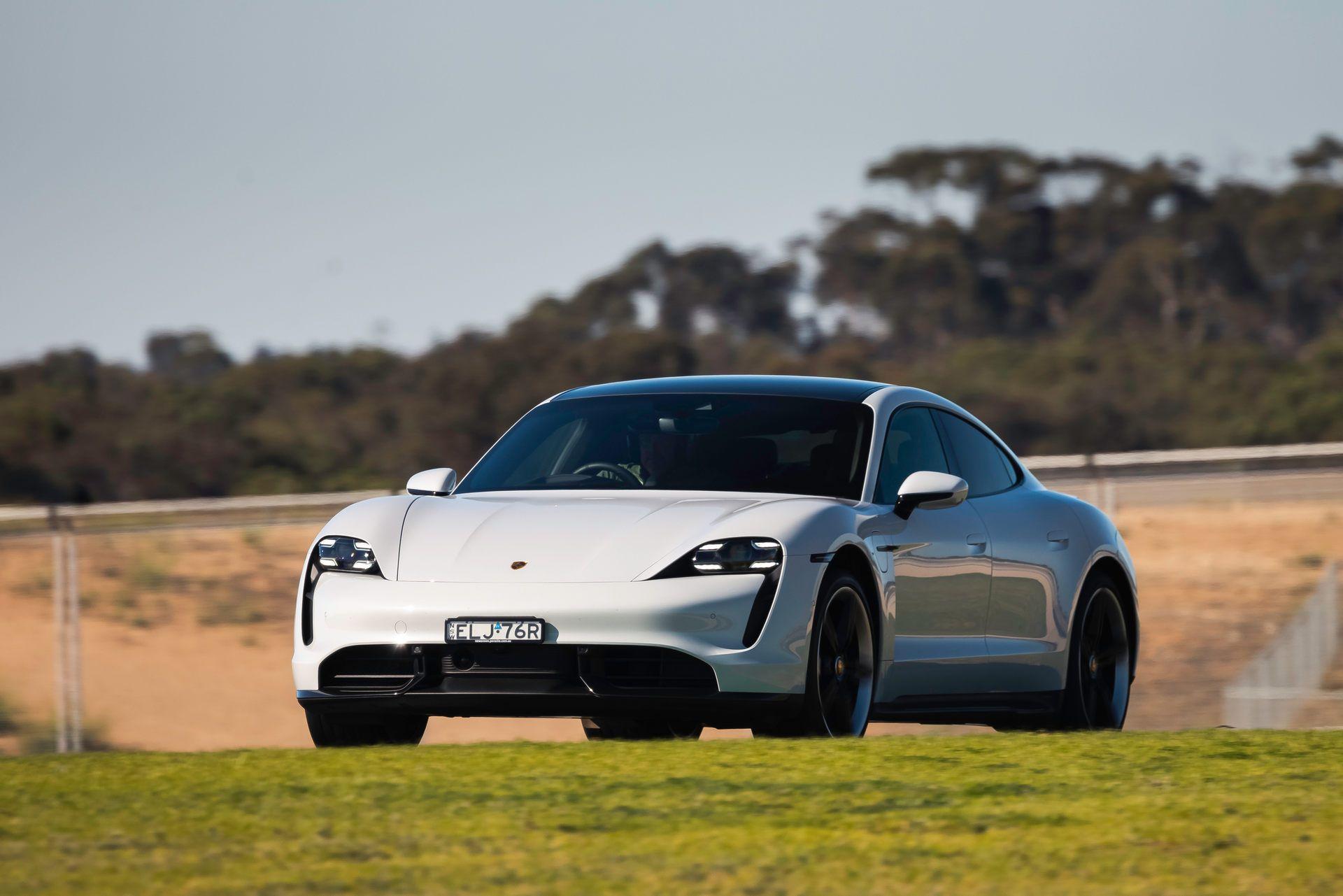 Porsche-Taycan-Turbo-S-The-Bend-Motorsport-Park-34