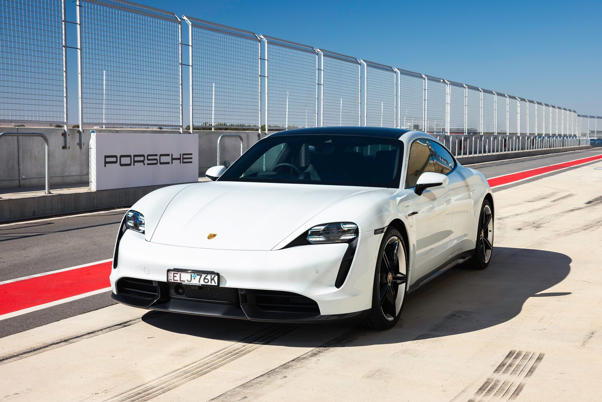 Porsche-Taycan-Turbo-S-The-Bend-Motorsport-Park-36