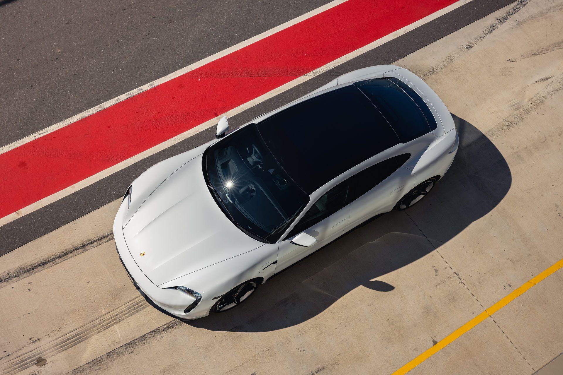 Porsche-Taycan-Turbo-S-The-Bend-Motorsport-Park-39