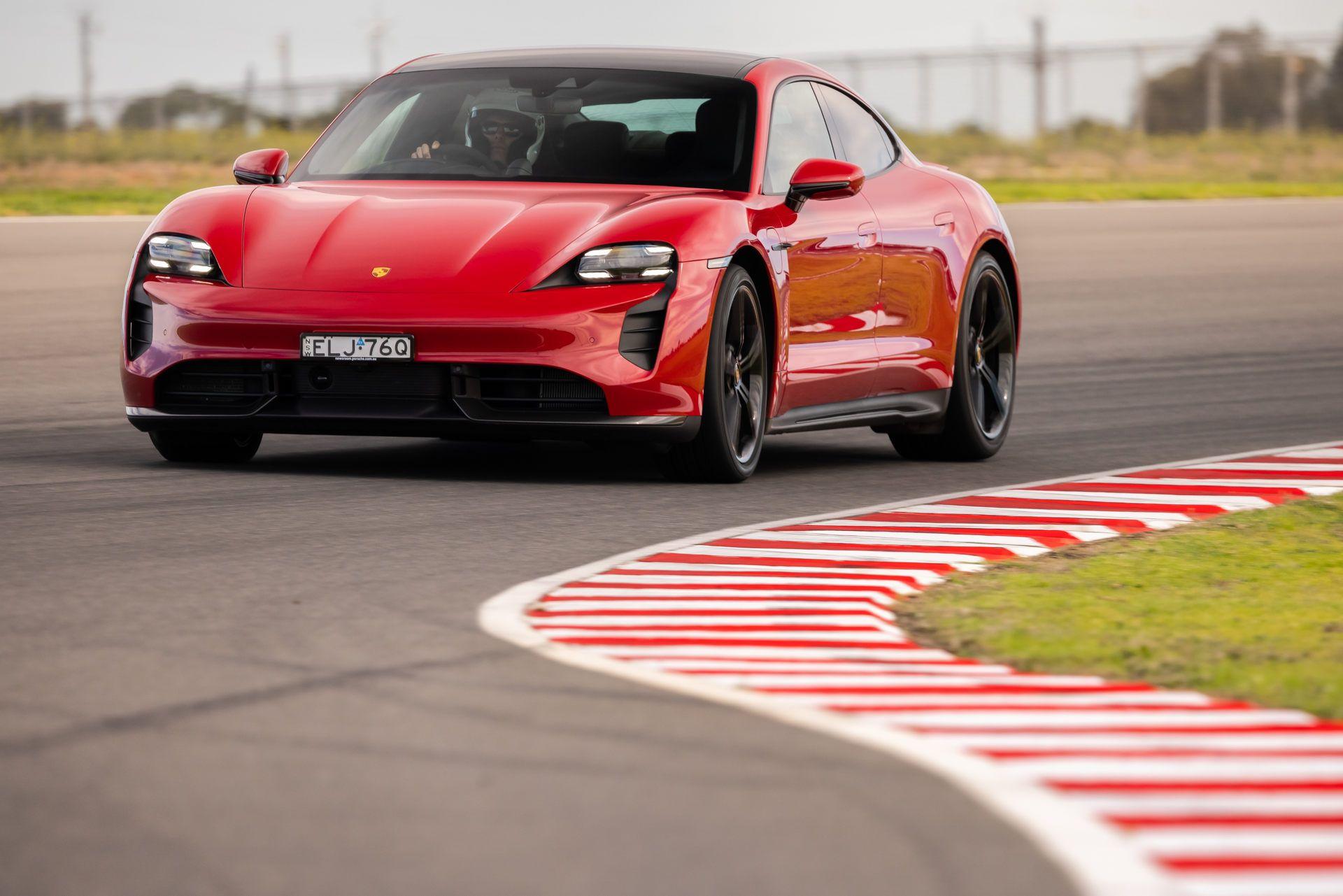 Porsche-Taycan-Turbo-S-The-Bend-Motorsport-Park-4