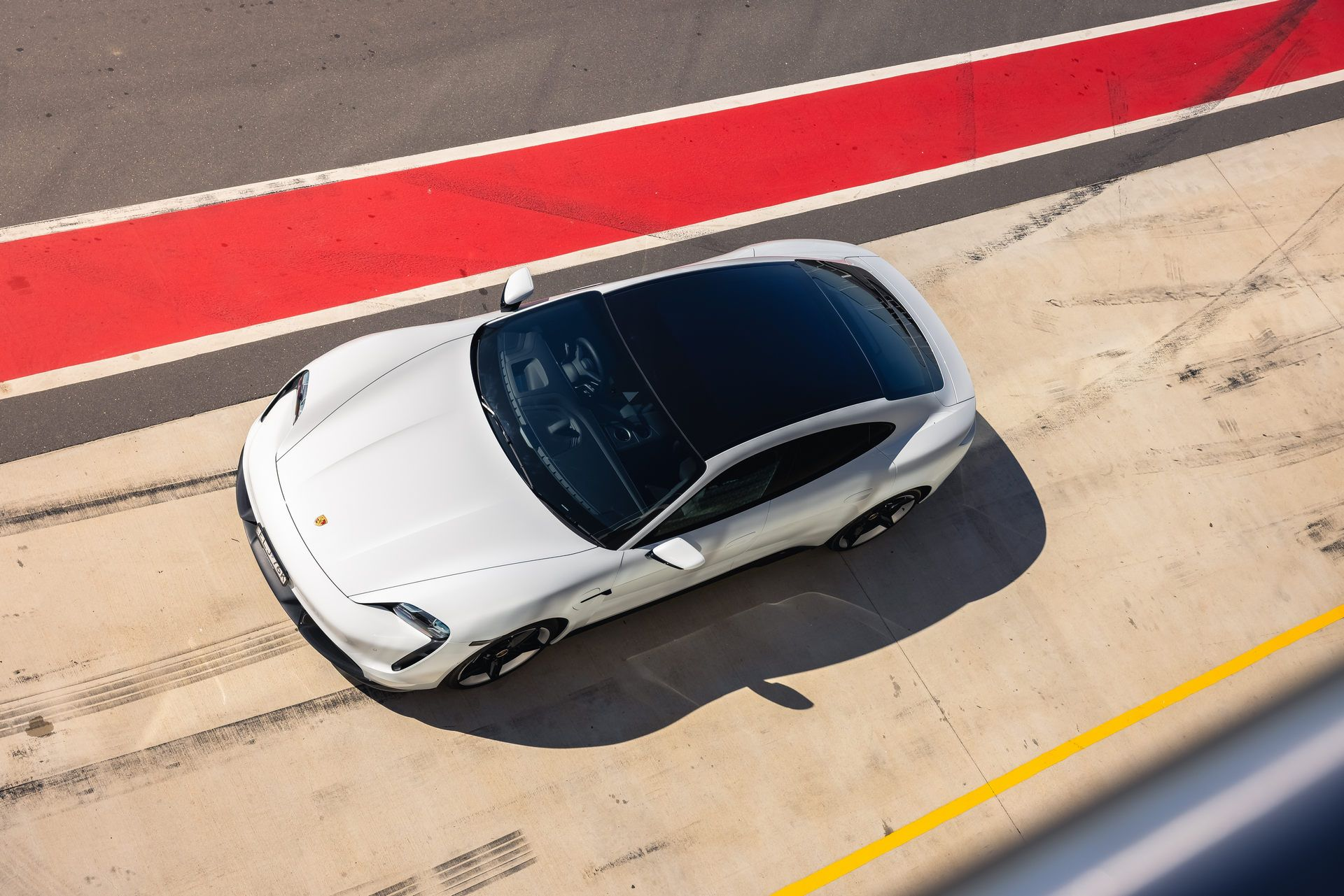 Porsche-Taycan-Turbo-S-The-Bend-Motorsport-Park-41