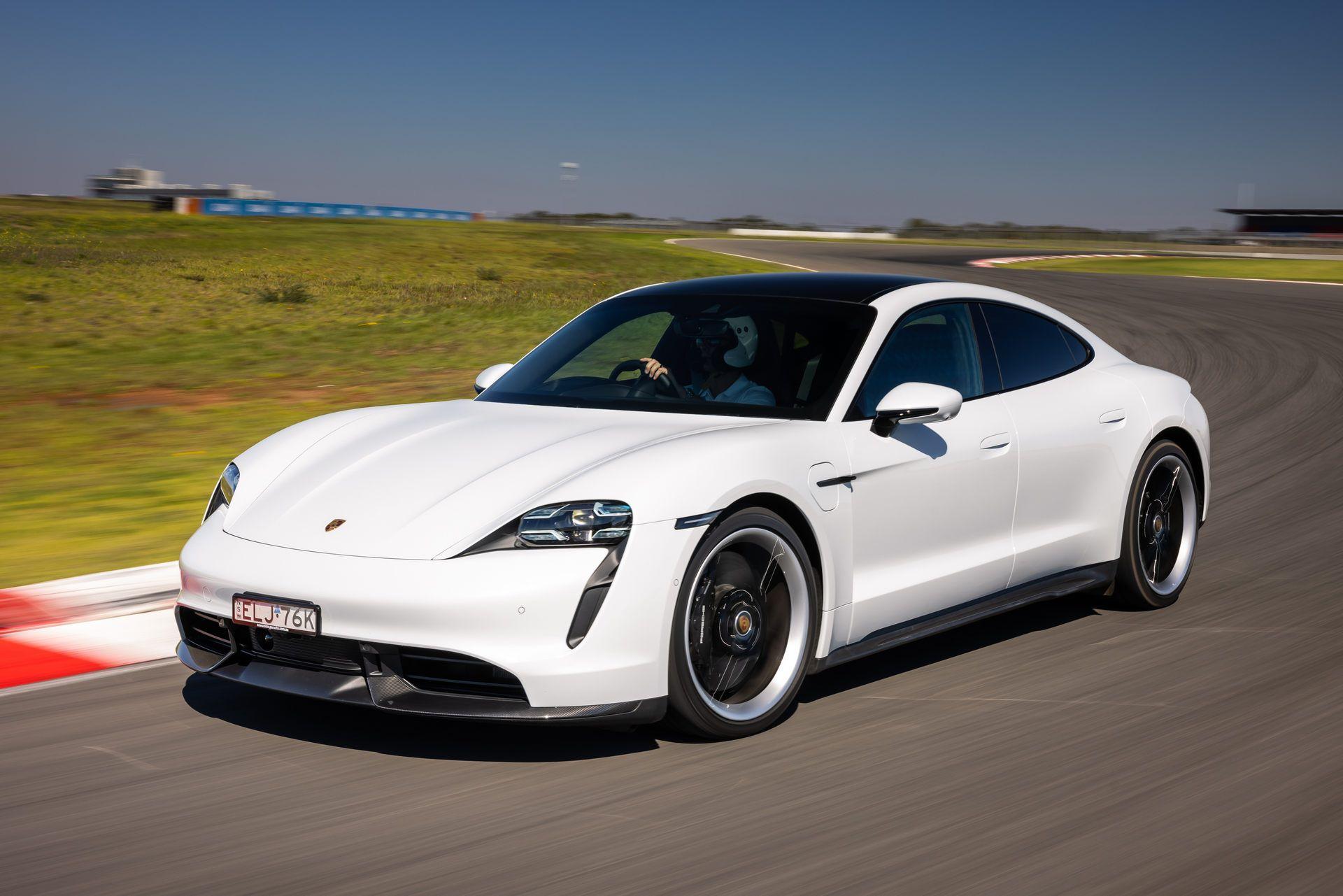 Porsche-Taycan-Turbo-S-The-Bend-Motorsport-Park-44