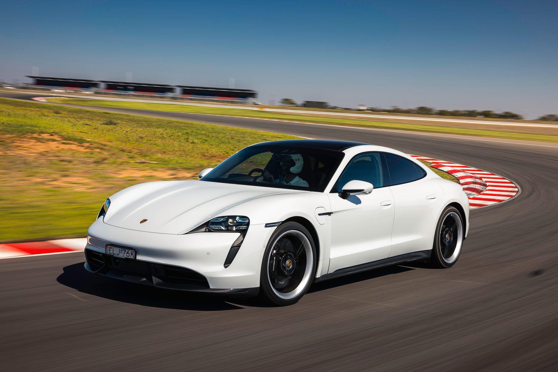 Porsche-Taycan-Turbo-S-The-Bend-Motorsport-Park-45
