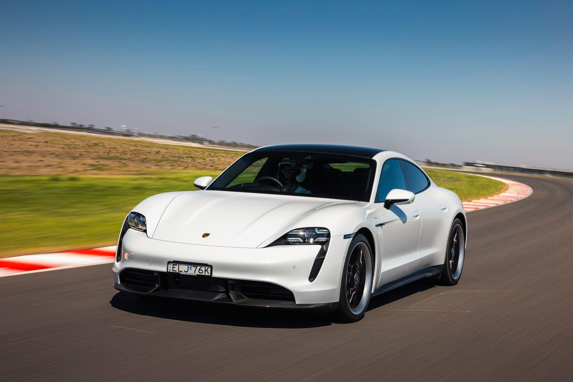 Porsche-Taycan-Turbo-S-The-Bend-Motorsport-Park-46