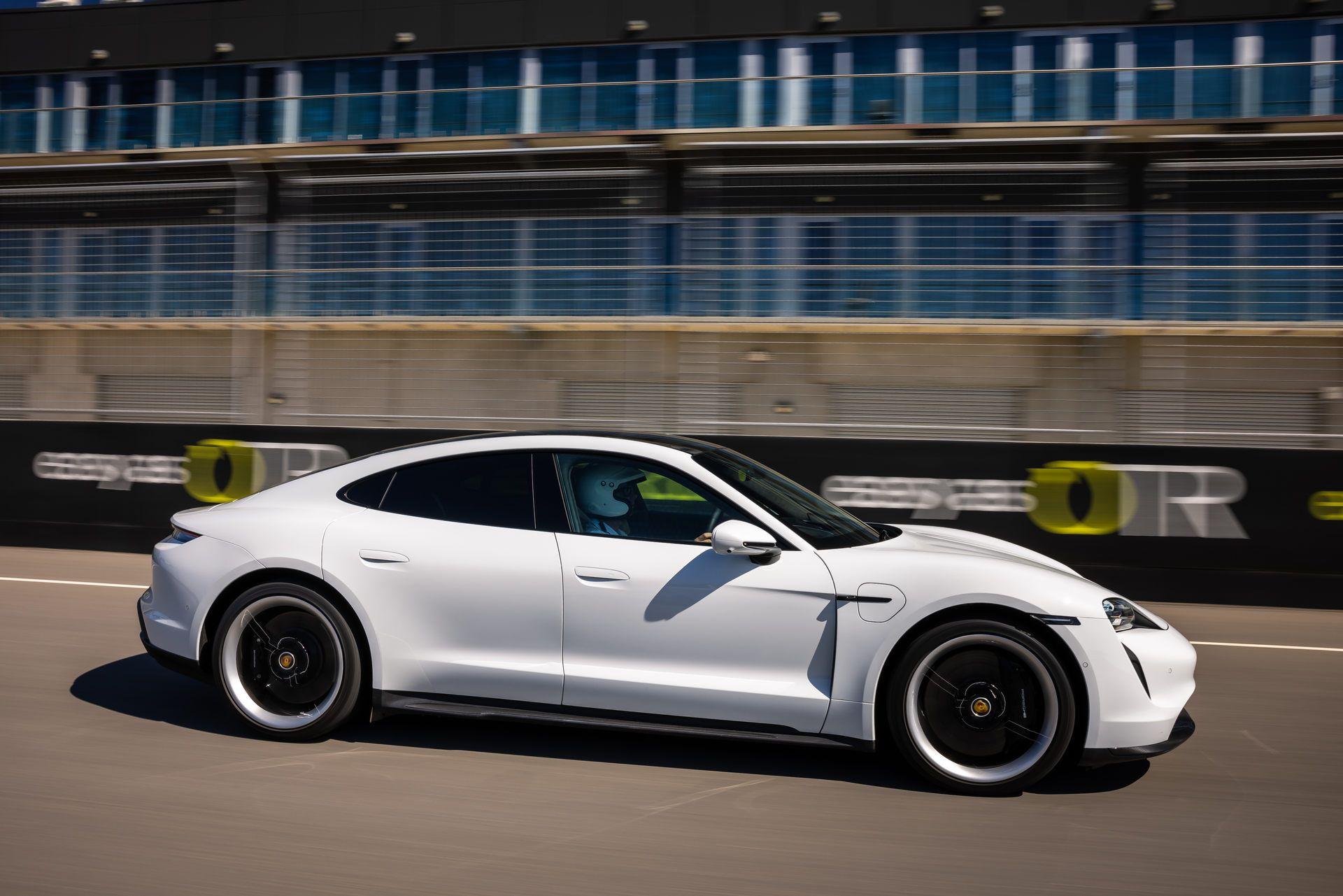 Porsche-Taycan-Turbo-S-The-Bend-Motorsport-Park-49